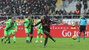 M'Baye Niang Milan Crotone Serie A