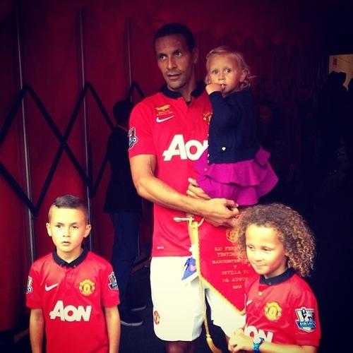 rio ferdinand with his children