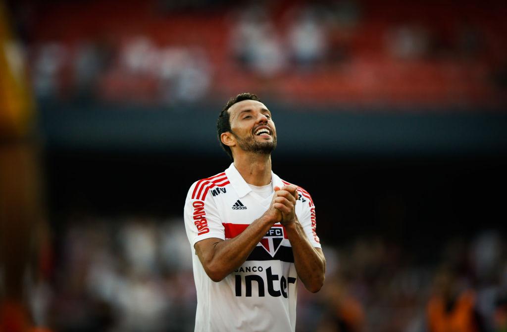Nenê overcomes São Paulo's chance