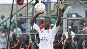 Omar Mbongi throw ball