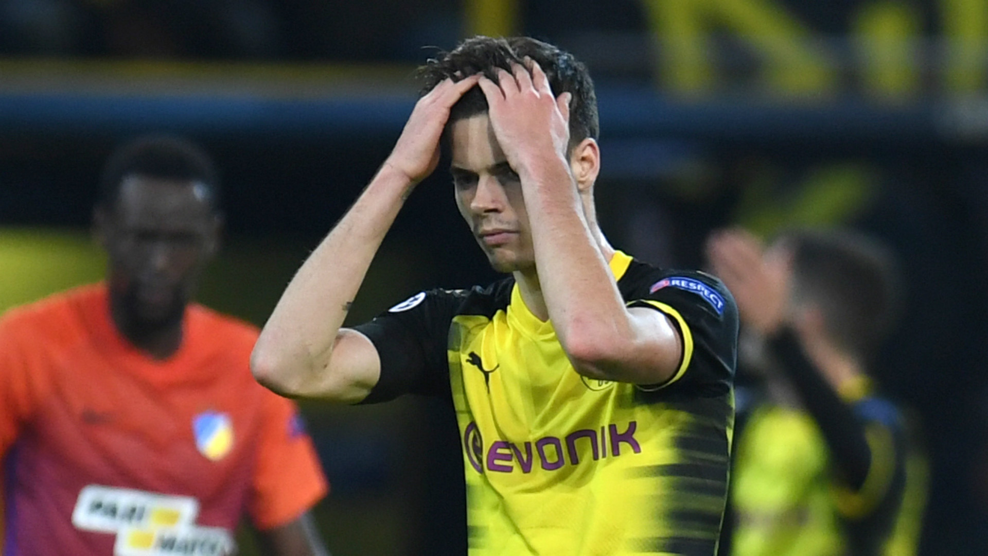 Julian Weigl Dortmund 2017