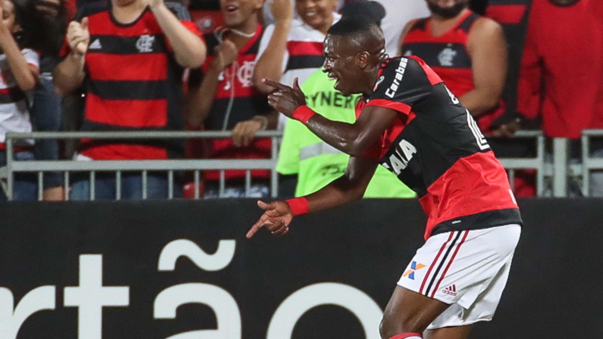 Vinicius Junior Flamengo Cruzeiro Brasileirao Serie A 08112017