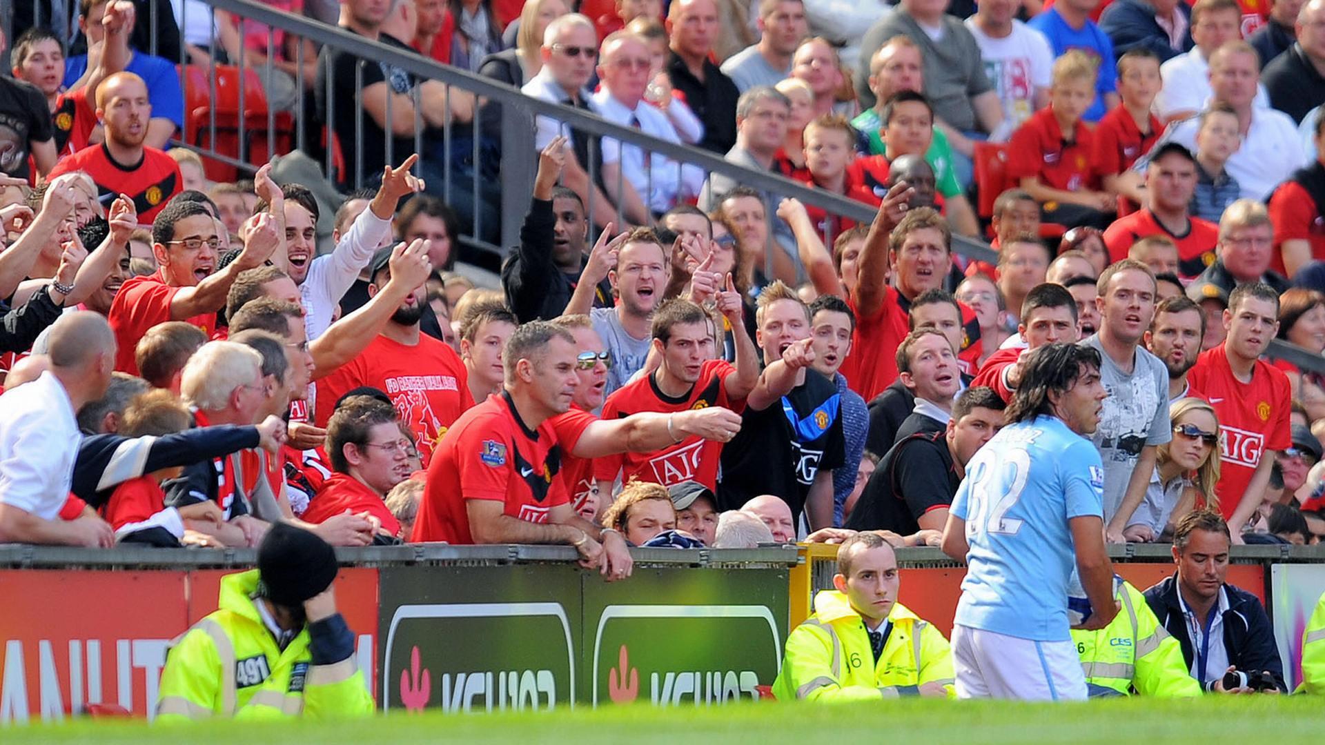 Carlos Tevez Manchester United fans