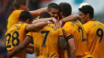 Wolves celebrate 2018-19