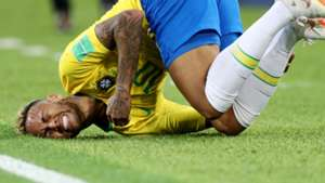 Neymar cai Brasil World Cup 2018