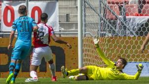 Sébastien Haller, Tim Krul, FC Utrecht vs. AZ, 05282017