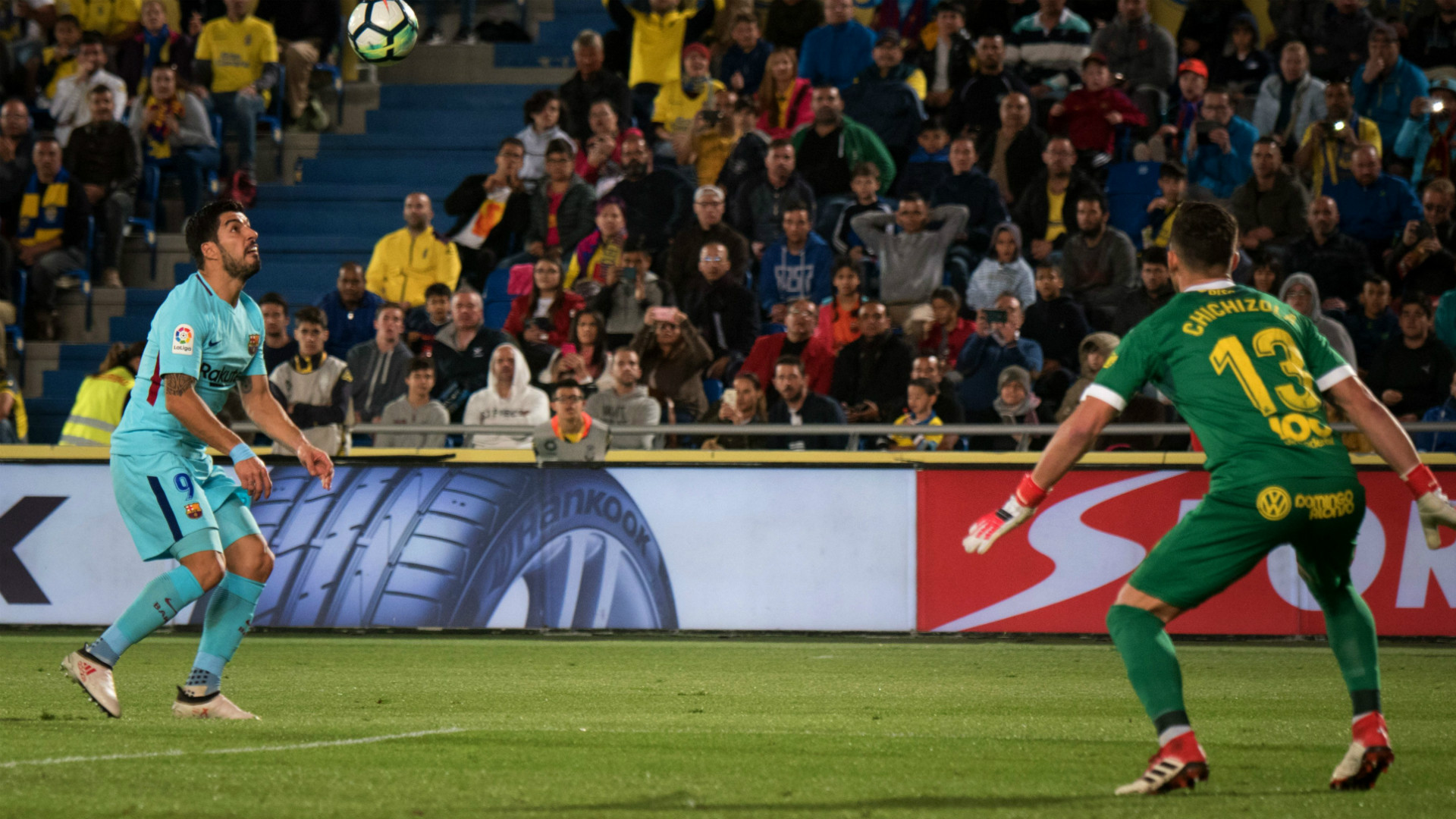 Barcelona empata con Las Palmas y reduce ventaja en liga española