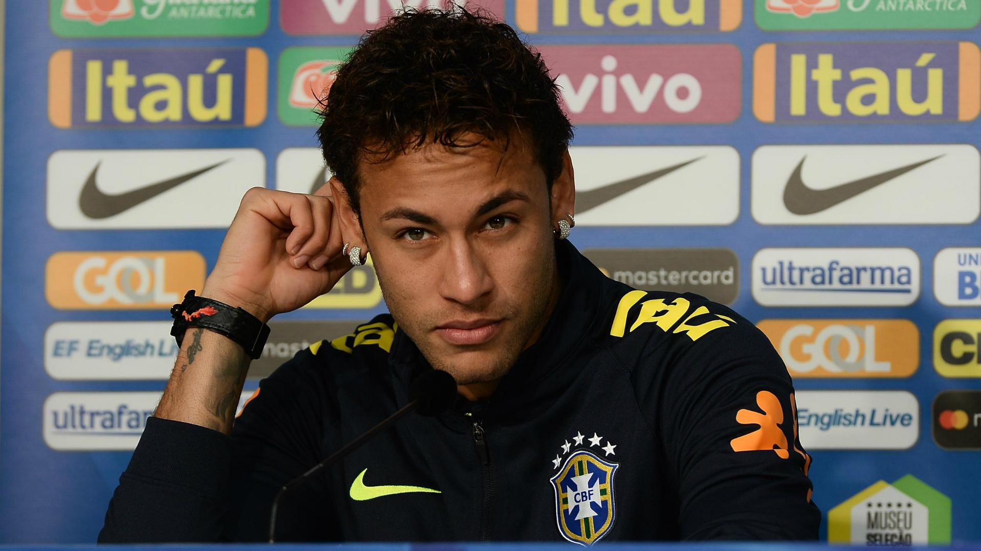Neymar I Brasil Japão I 10 11 17