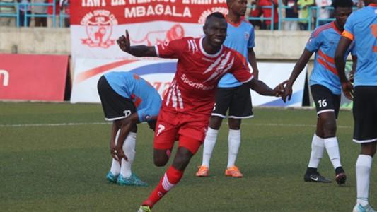 Emmanuel Okwi akishangilia