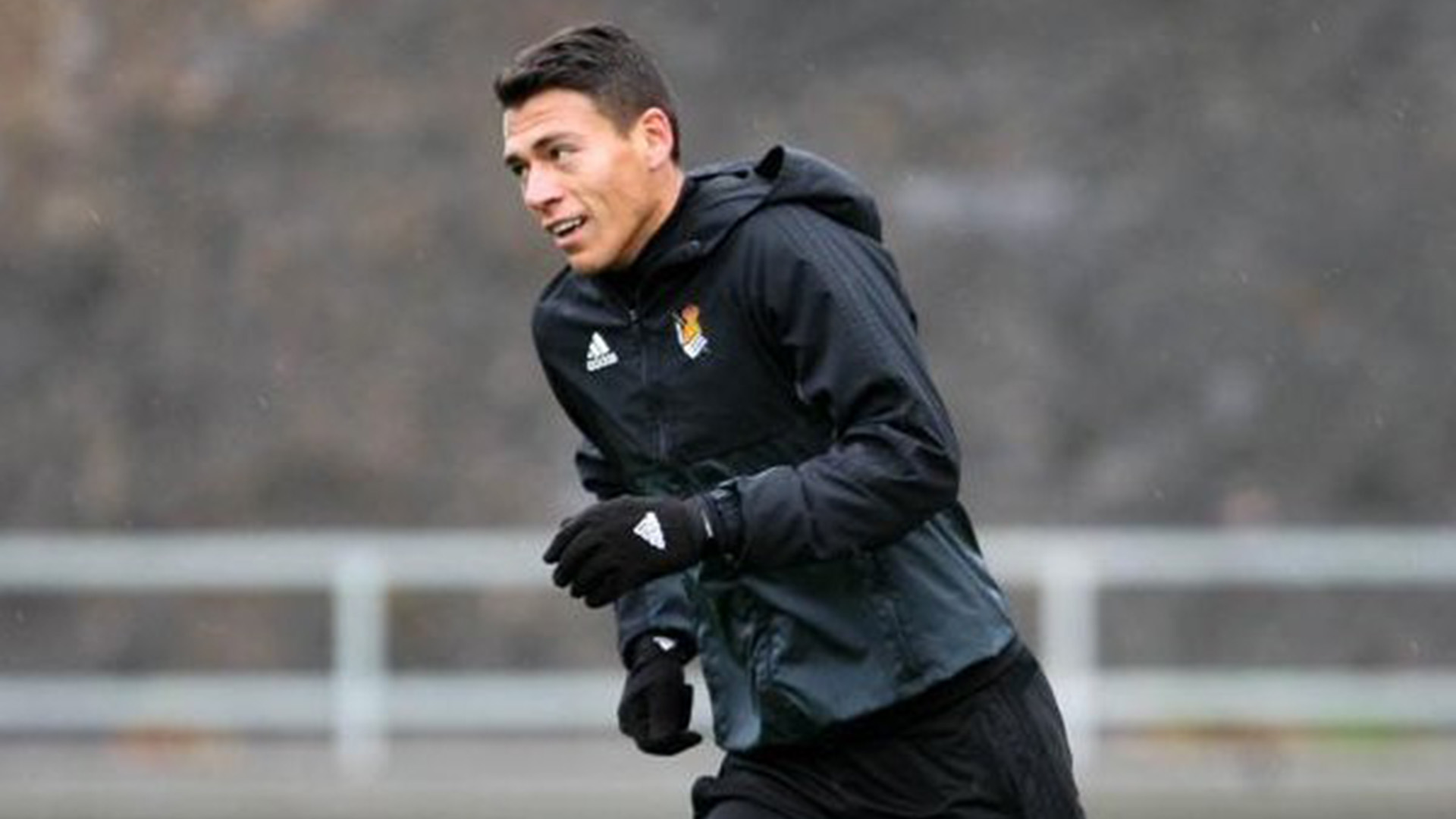 Moreno abandona entrenamiento de la Real por lesión — Alarma