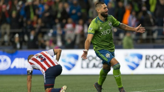 Clint Dempsey Chivas Seattle Sounders 130318