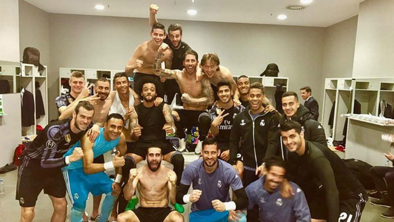 Real Madrid photo dress room Allianz Arena