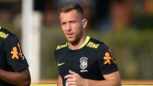 Arthur Seleção Brasil treino 02 10 2017