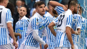 Alberto Paloschi Spal celebrating