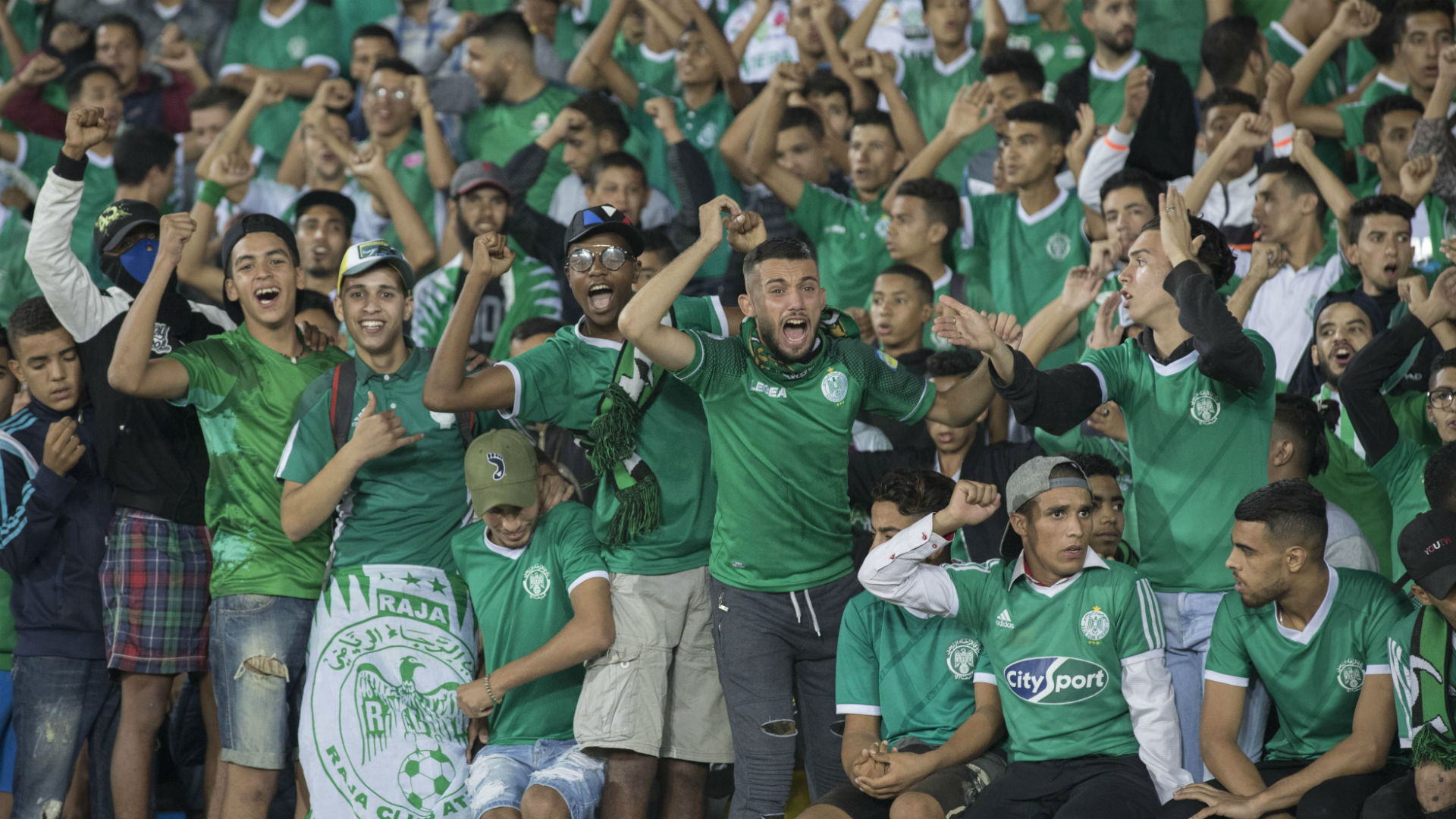 Raja Casablanca fan