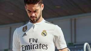 f597c32513e9c El Real Madrid presenta las camisetas para la temporada 2018-19 ...