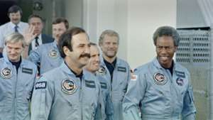 USS Challenger Space Shuttle Crew 27102015
