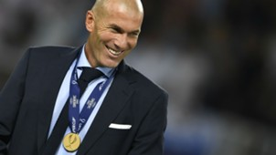 zinedine zidane - uefa supercup - real madrid manchester united
