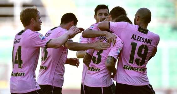 Palermo players celebrating Palermo Fiorentina Serie A