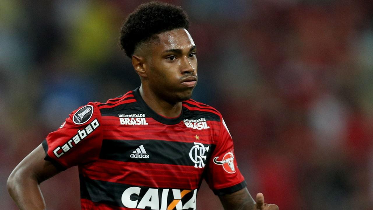 Vitinho iguala número de Vinícius Júnior neste Brasileirão