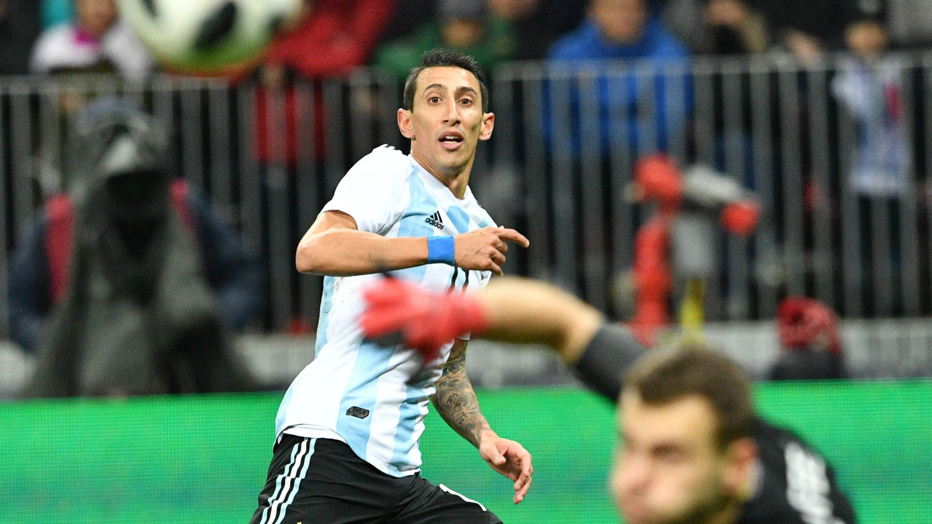 Sergio Aguero 'faints at half-time', taken to hospital during Argentina v Nigeria