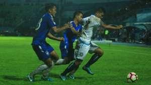 Jefri Kurniawan - Arema FC & Gilang Ginarsa - PSIS