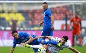 Cruz Azul Chivas Alan Pulido Javier Salas