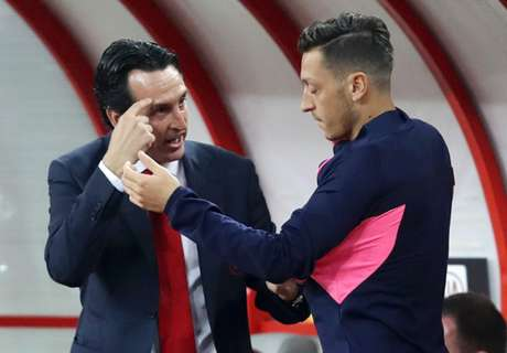 Emery reveals 'friction' policy amid Ozil uncertainty