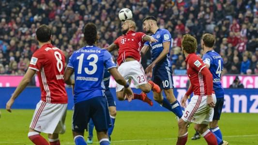 Arturo Vidal Nabil Bentaleb Bayern Munich Schalke 04022017