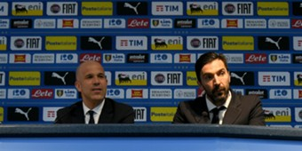 Gigi Buffon Gigi Di Biagio Argentina Italy