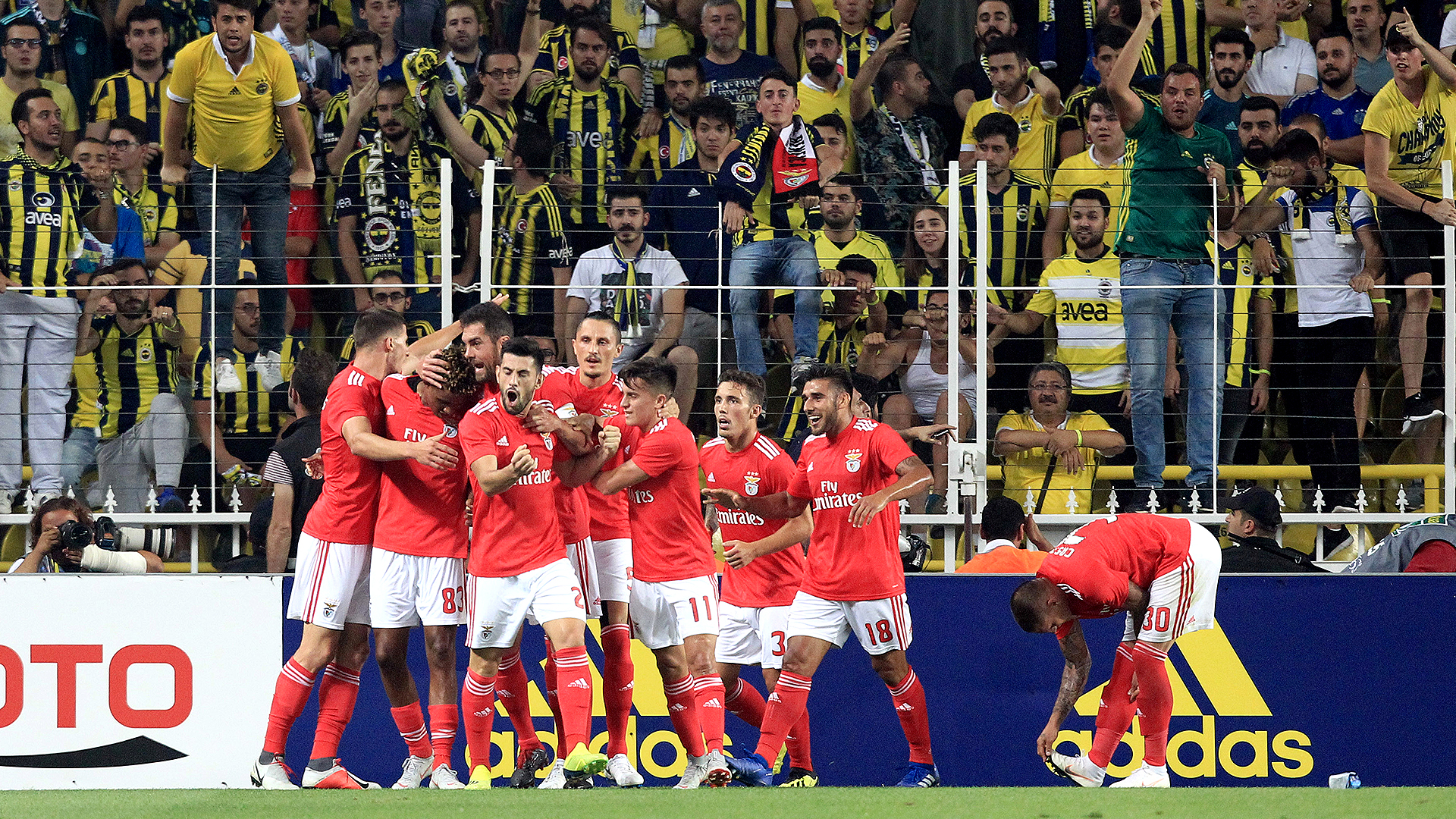 Benfica goal celebration Fenerbahce 08142018