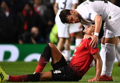 Martial and Lingard ruled out for up to three weeks