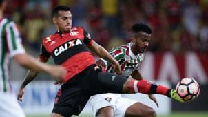 Miguel Trauco Jefferson Orejuela Fluminense Flamengo Copa Sudamericana 25102017
