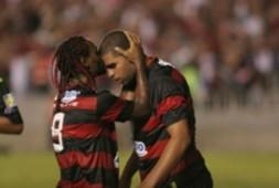 Adriano e Vagner Love