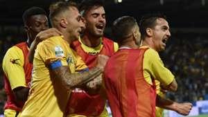 Frosinone celebrating vs Palermo