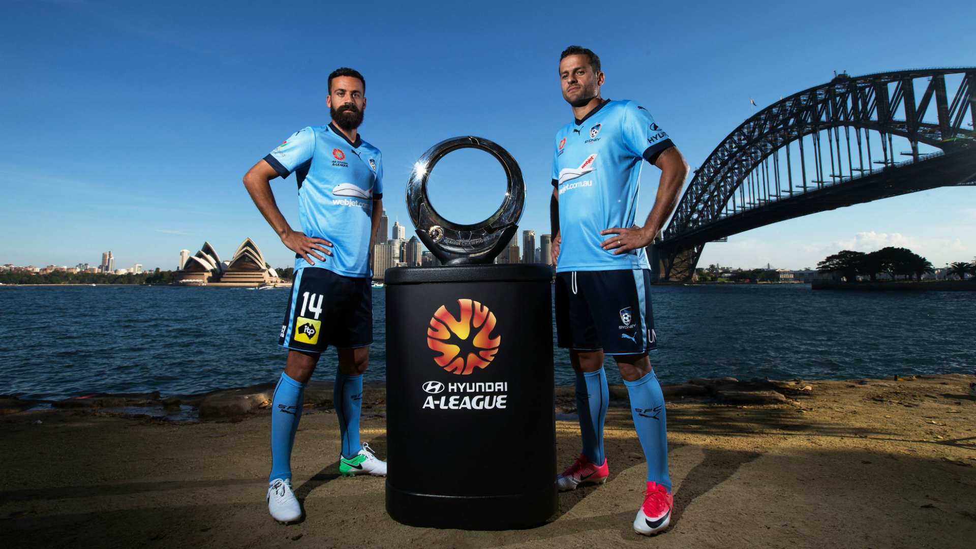 Alex Brosque Bobo Sydney FC A-League 24042017