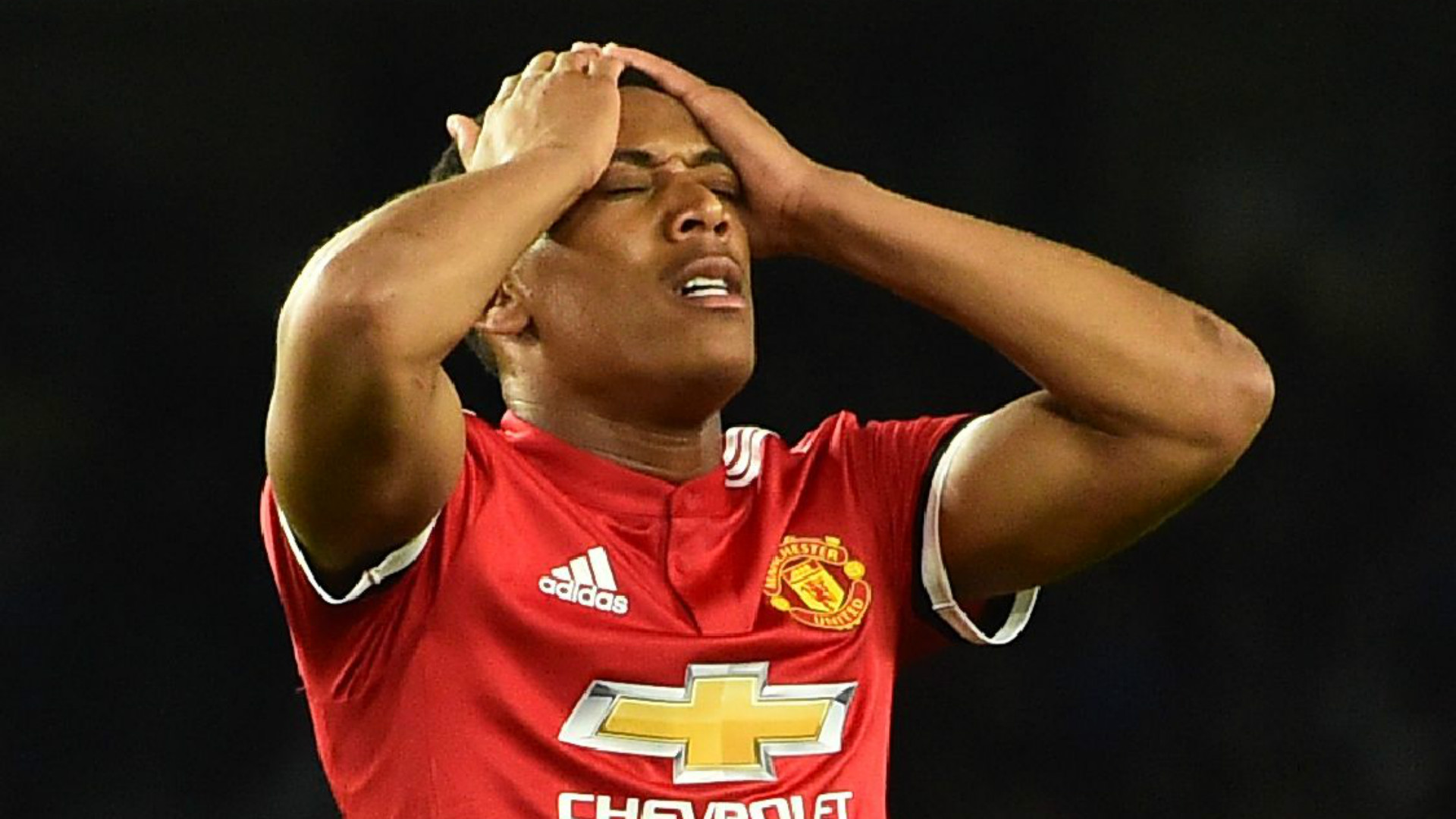 Manchester United make huge promise to Anthony Martial amid Chelsea transfer speculation