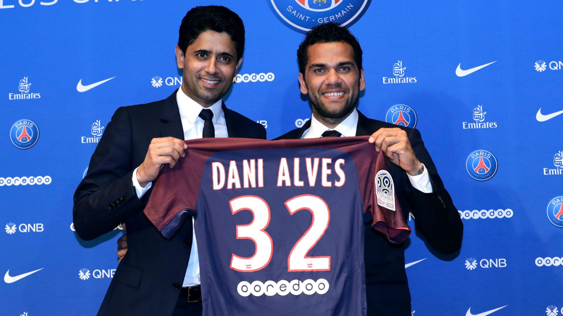 Nasser Al Khelaii Dani Alves PSG presentation 12072017