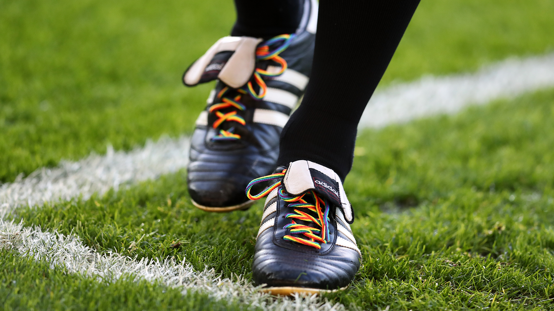 All Blacks to wear rainbow laces in support of Thomas | AP sports
