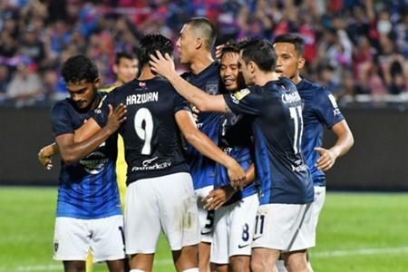 Johor Darul Ta'zim players celebrate Safiq Rahim's goal 20/1/2017