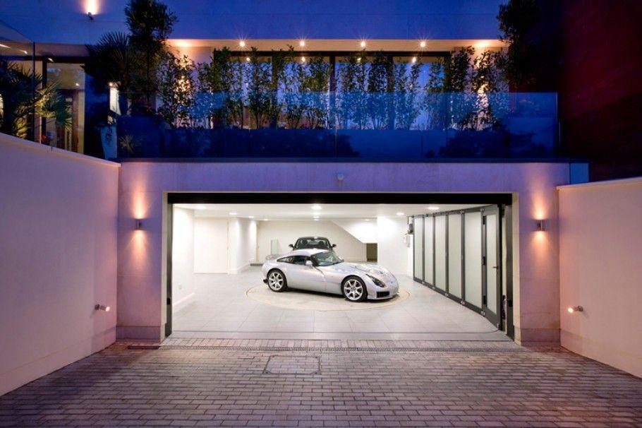 Mesut Ozil's mansion