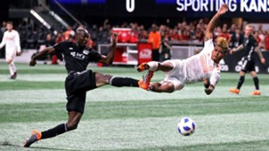Josef Martinez Ike Opara Atlanta United Sporting Kansas City MLS 2018