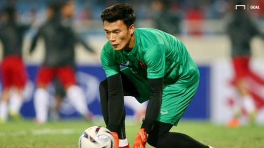 HLV Hà Nội FC lên tiếng về cơ hội thi đấu của Bùi Tiến Dũng | Goal.com