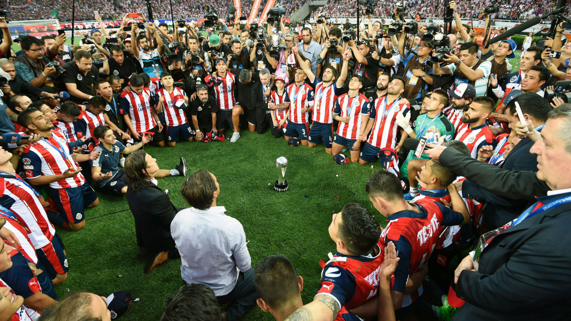 Festejo Chivas campeón Clausura 2017