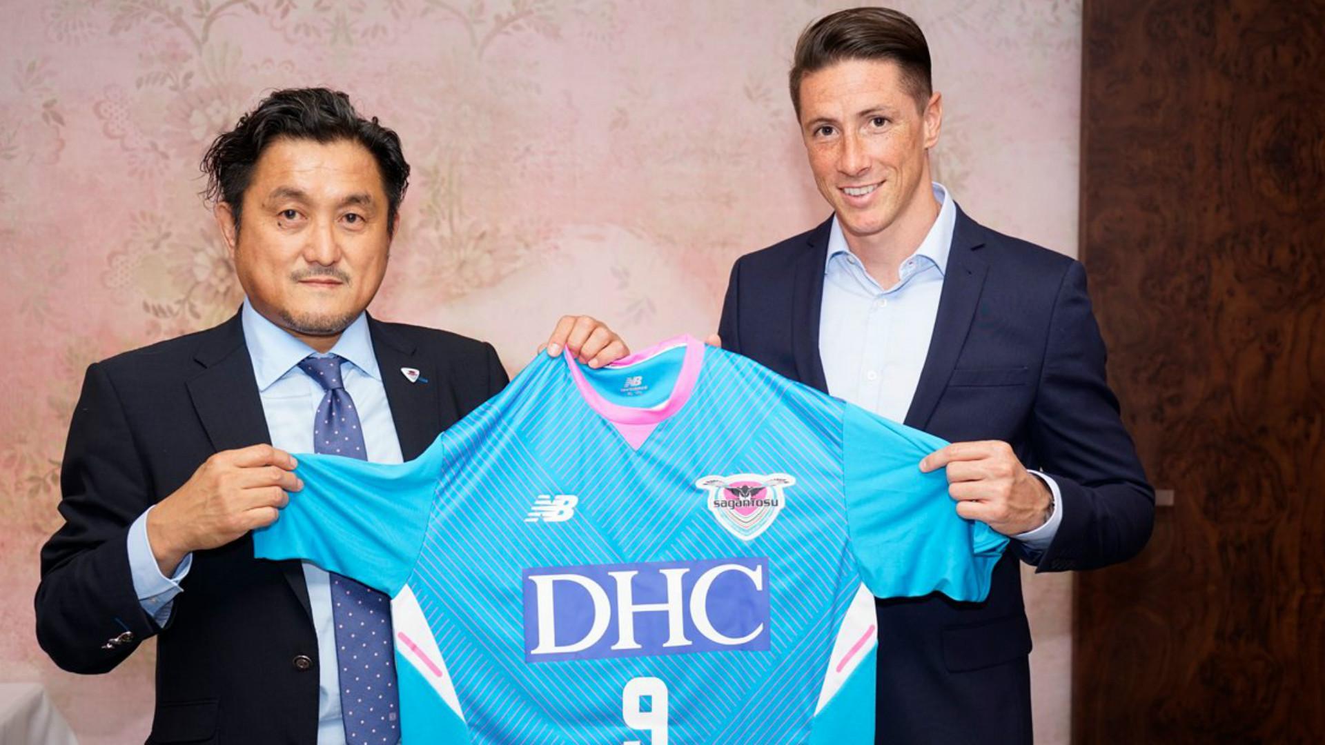 Fernando Torres é apresentado no Sagan Tosu, do Japão