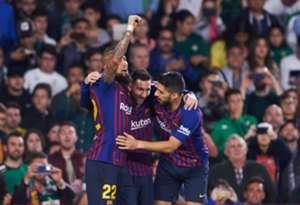 Messi Luis Suárez Arturo Vidal Real Betis Barcelona LaLiga