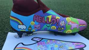 Robles Tackle Kids Cancer boots