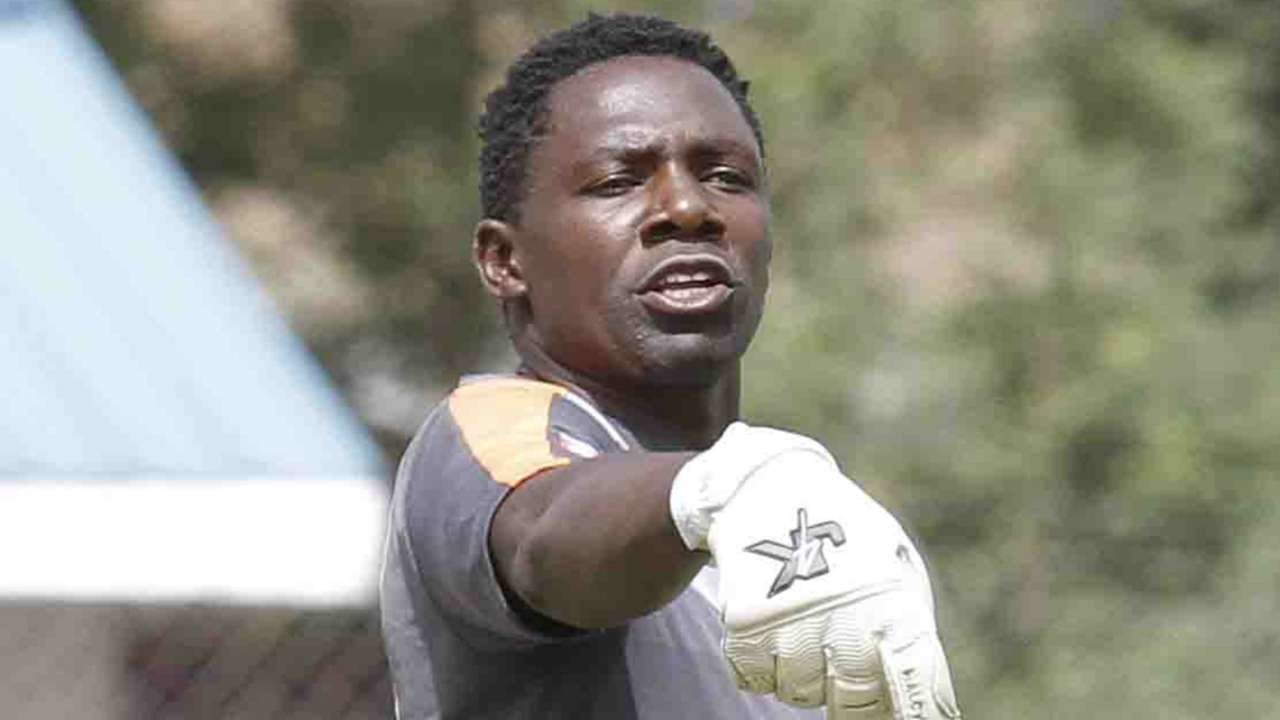 Gor Mahia keeper Boniface Oluoch issues instructions to the back four at Afraha Stadium in Nakuru on Sunday.