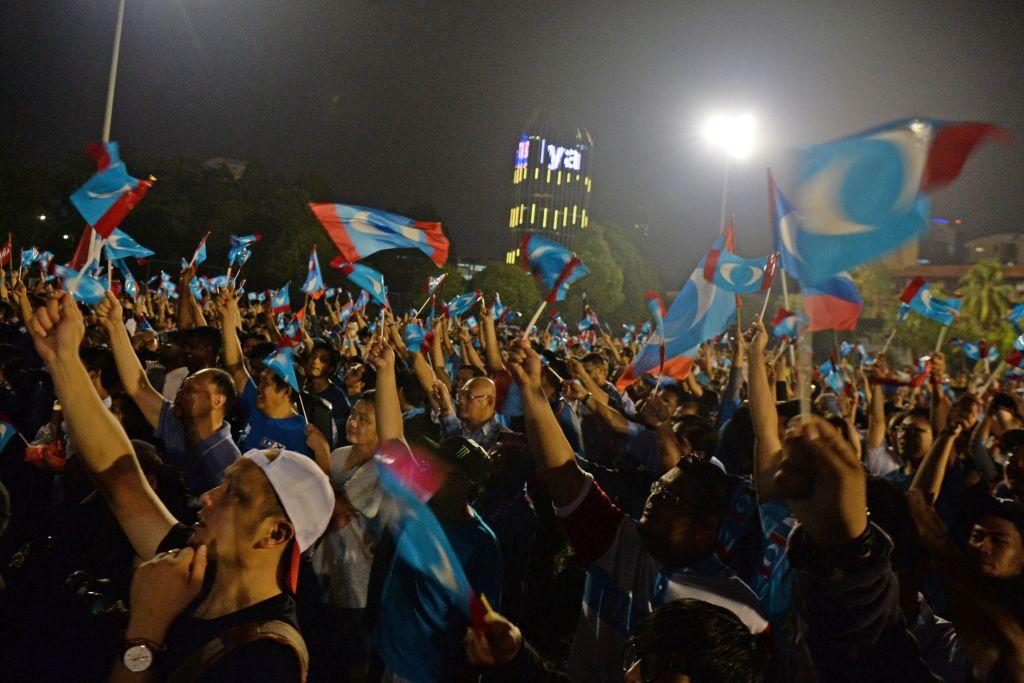 Pakatan supporters