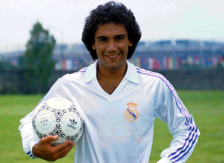 Hugo Sánchez en su etapa como futbolista del Real Madrid